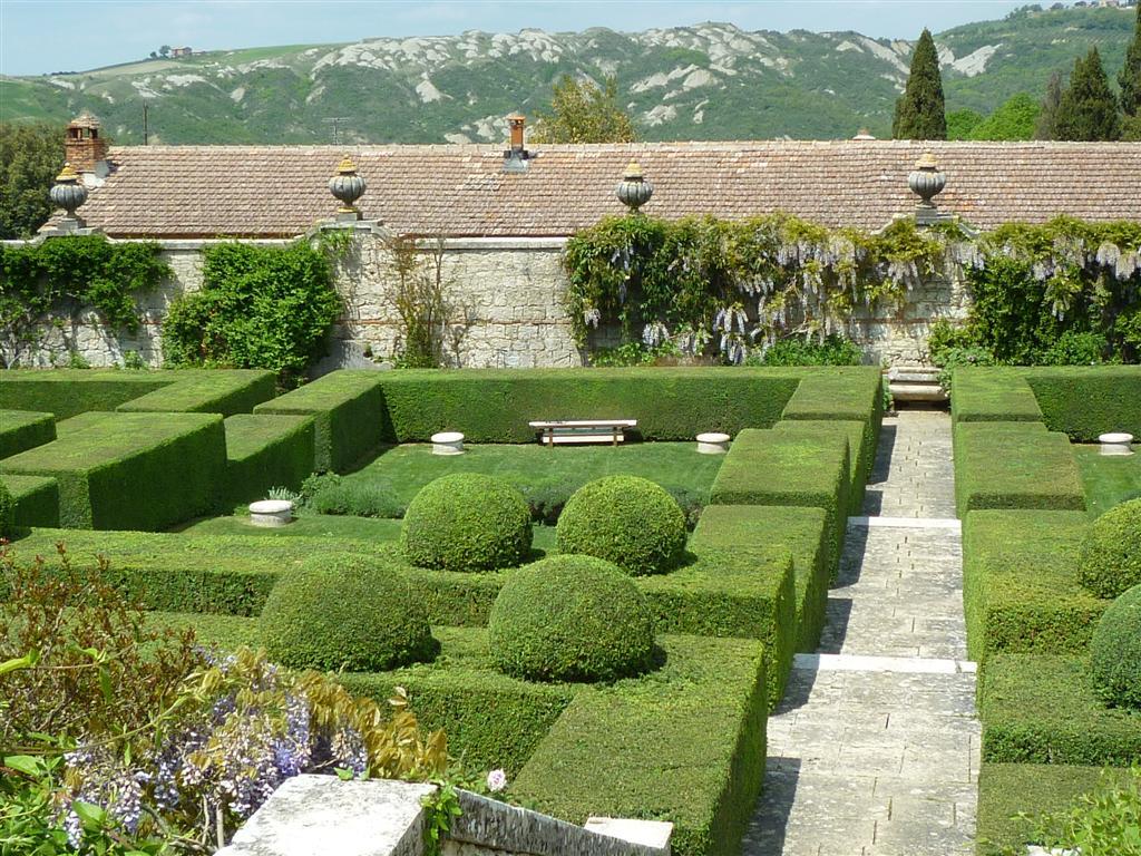 Cecil Pinsent garden's at La Foce