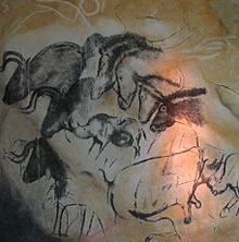 Paintings_from_the_Chauvet_cave_(museum_replica)